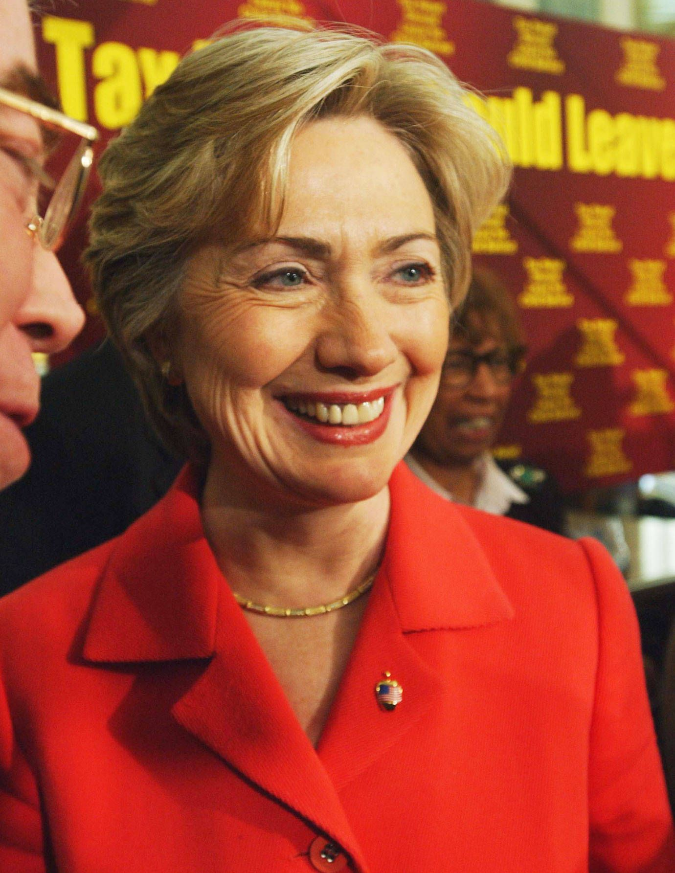 Hillary Clinton S Hair Evolution Best Hillary Clinton Hairstyles