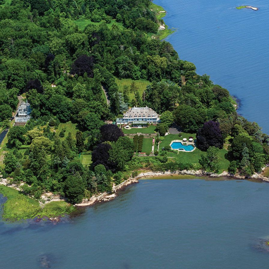 Asking price: $190 MDistress signals? Yes. Like so many in the country, current owners John and Lauri Rudey are having trouble keeping up with mortgage payments. So the couple, who are heavily invested in the troubled timber industry, have decided to sell their 50 acre property in Greenwich, CT. The asking price is nearly five times the record price in town, $40.8 million for an 80 acre property on Conyers Farm Road.Big draw: Although the house was built in 1898 for a co-founder of U.S. Steel, it's not so much the Gilded Era manse that accounts for the awe-inspiring price. It's the untouched waterfront estate, a rival to the Rockefellers' Kykuit compound in its well-situated proximity to New York—both are about a half hour from Grand Central via presidential motorcade, or ten minutes or so in a helicopter.