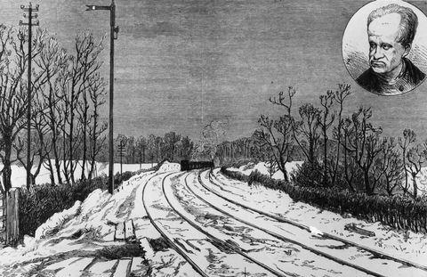Track, Monochrome, Winter, Monochrome photography, Parallel, Facial hair, Black-and-white, Snow, Freezing, History,