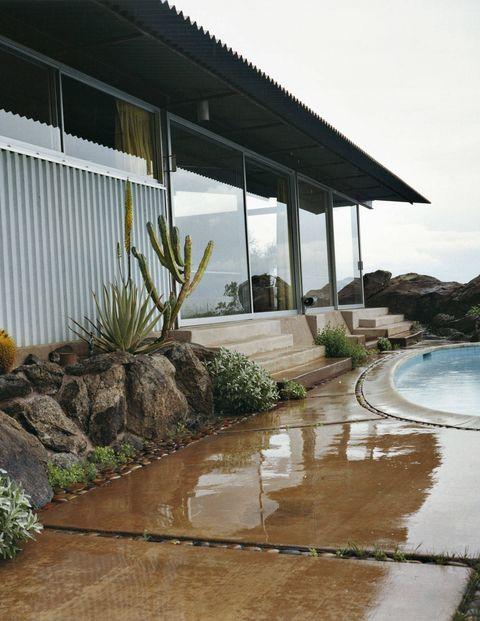 Garden, Resort, Shade, Water feature, Resort town, Landscaping, Tropics, Perennial plant, Seaside resort, Eco hotel,