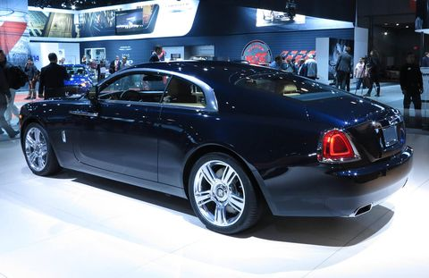 Tire, Wheel, Automotive design, Vehicle, Land vehicle, Car, Personal luxury car, Exhibition, Luxury vehicle, Bentley,