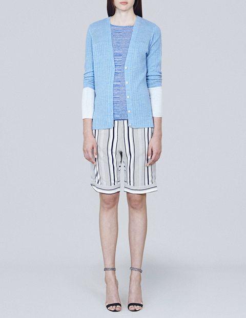 Clothing, Sleeve, Shoulder, Human leg, Textile, Joint, Style, Knee, Pattern, Fashion,