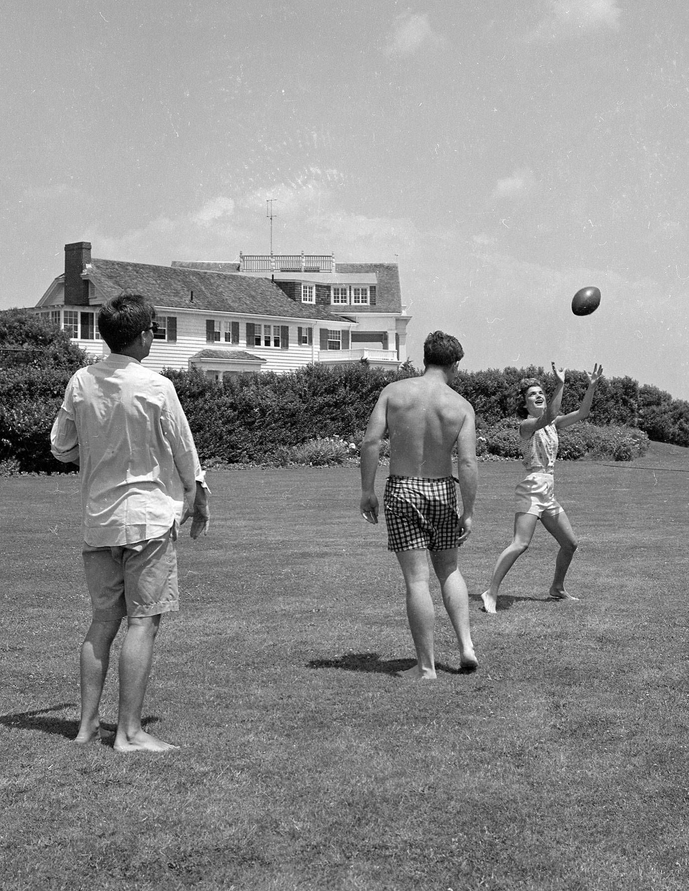 Kennedy Compound - Kennedy Family Hyannis Port on cape cod houses, hyannis houses, united states houses,