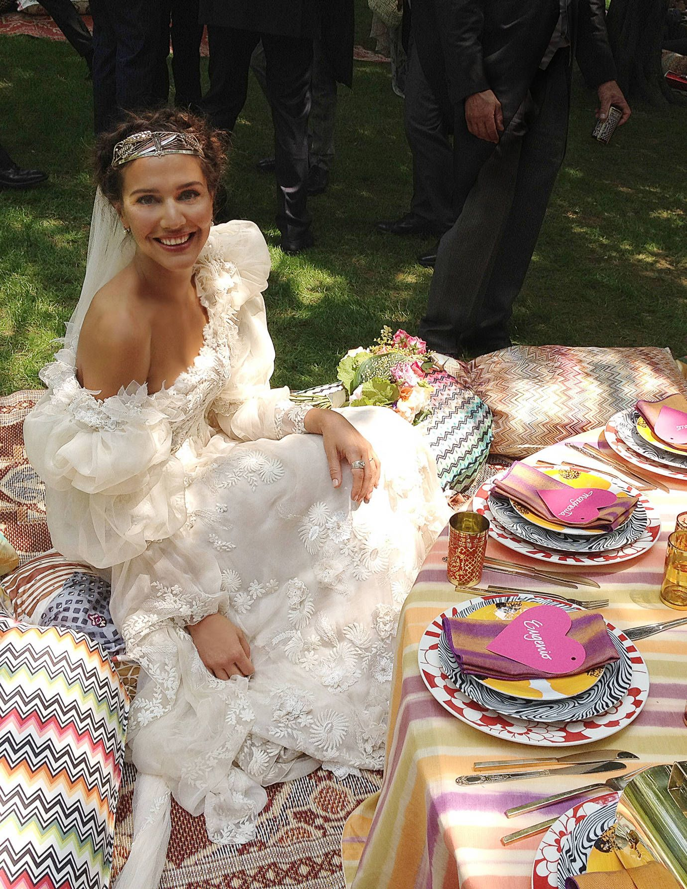 https://hips.hearstapps.com/toc.h-cdn.co/assets/cm/14/37/540fe526b3c67_-_tcx-margherita-missoni-wedding-1012-lg.jpg