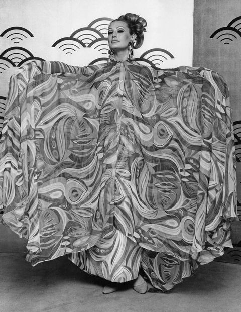 A model at the Japanese Silk Exhibition