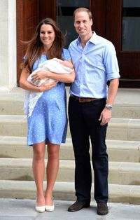 <p>Kate Middleton showed George to the world outside the Lindo Wing in a blue polka dot Jenny Packham dress which people likened to the dress Diana wore when she had William.</p>