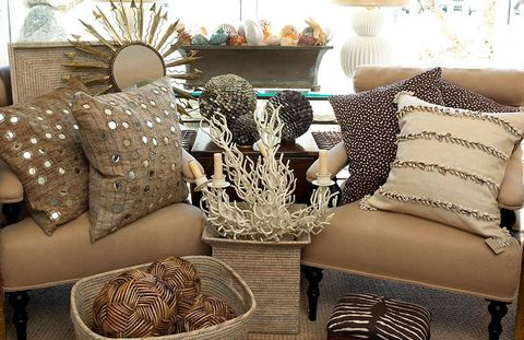 Interior design, Room, Interior design, Home accessories, Natural material, Wicker, Light fixture, Cushion, Decoration, Basket,