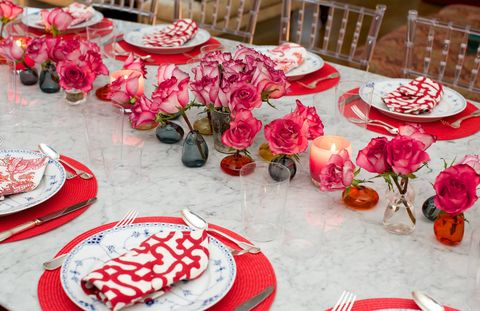 Patricia Herrera Lansing and Allison Aston hosted a Mexican-themed dinner party complete with an amazing guest list (Allison Williams, Michael Bastian, Alexandra Kerry, Alexi Ashe Meyers) to celebrate Daniel Cappello's new book Dinner Diaries: Reviving the Art of the Hostess Book (Published by Assouline).