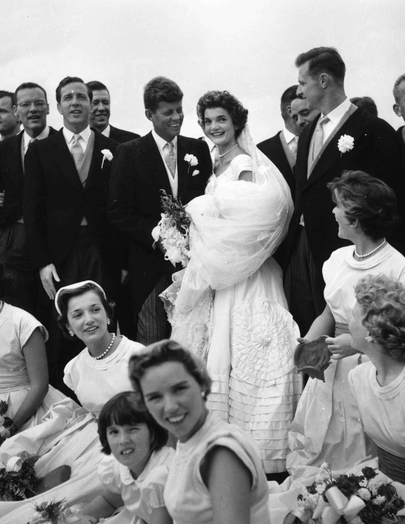 Wedding Photos of Jackie Kennedy and John F  Kennedy - Jacqueline