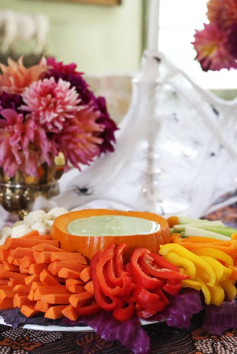 Orange, Flower, Purple, Centrepiece, Cut flowers, Table, Brunch, Plant, Food, Meal,