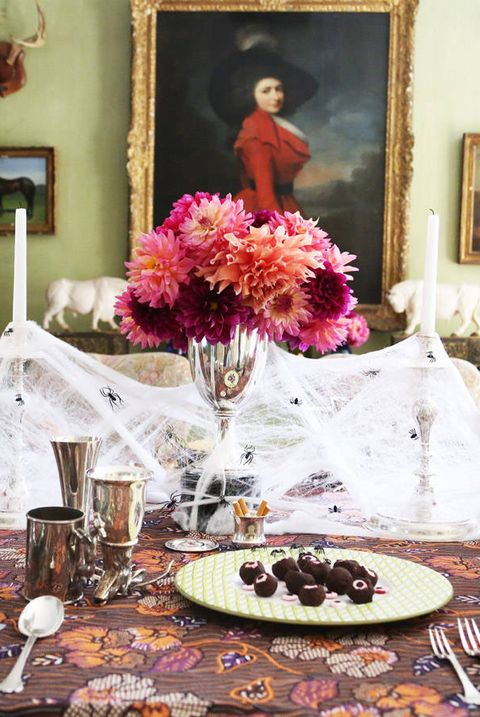 Centrepiece, Pink, Table, Room, Decoration, Flower, Flower Arranging, Floristry, Meal, Tableware,