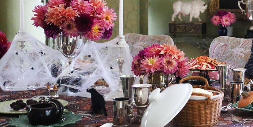 20 Elegant Halloween Dinner Party Ideas How To Throw An Adult Halloween Dinner