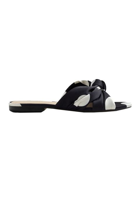 e4ca32efd2dd Best Flat Sandals for Summer 2018 - Most Comfortable and Stylish Slides