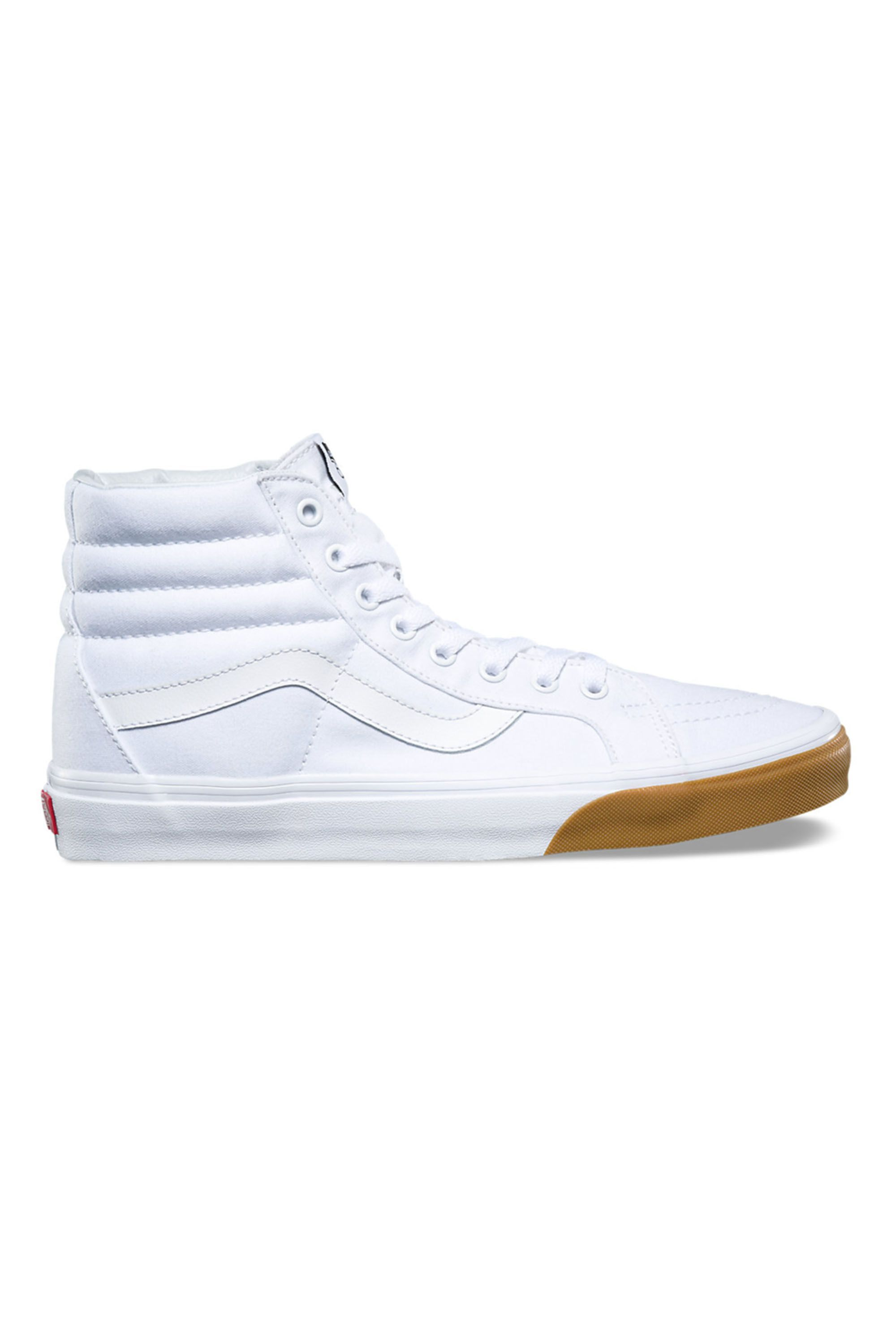 7e7580c0fd 26 Best White Sneakers for 2018 - Classic White Shoes That Go With  Everything