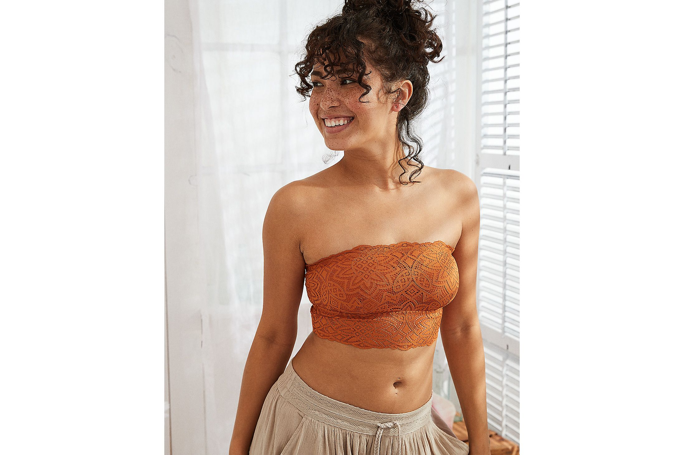 245ea06de85 How to Wear a Bralette - 7 Cute Bralette Outfits for Summer 2018
