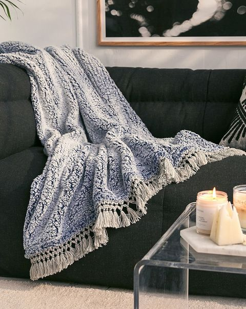 40 Best Throw Blankets The Coziest Throw Blankets You Can Buy Gorgeous Comfiest Throw Blanket