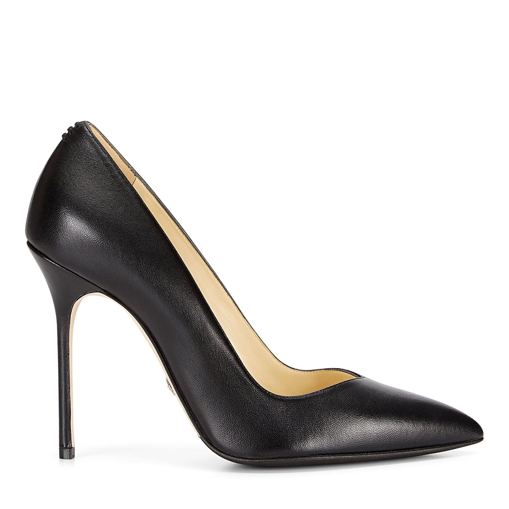 8fd54a65bd8 These are Meghan Markle s Favorite Shoes – Meghan Markle Loves ...