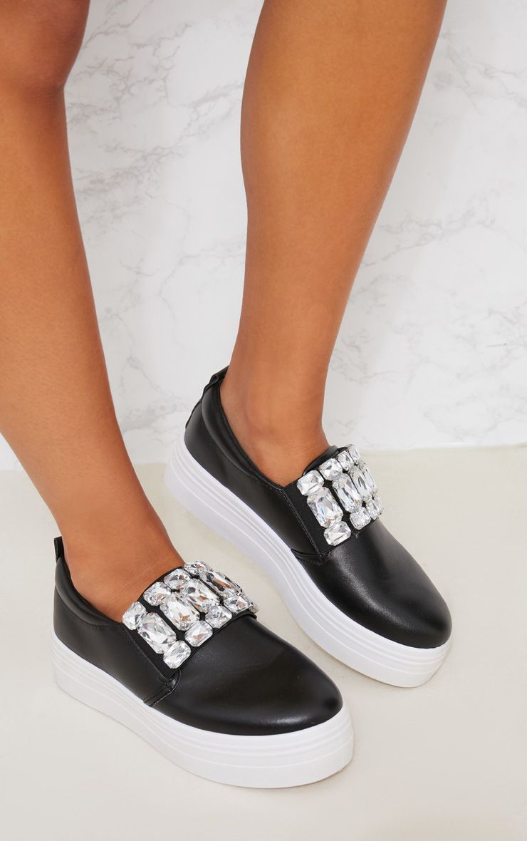 32e6d3b6c8b5 20 Cute Sneakers for Fall 2018 - Trendy Shoes to Wear Back to School