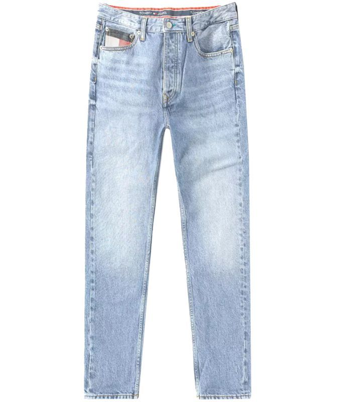 The 12 Best Light Wash Jeans for Summer 2018