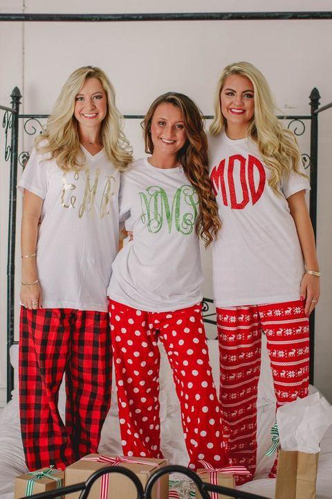 7372e445e49d 25+ Matching Family Christmas Pajamas - Cute Holiday Pajamas Sets ...