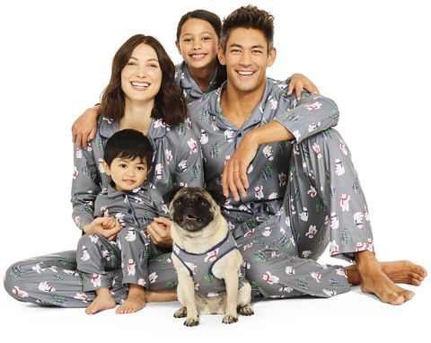 f9623ca13d60 25+ Matching Family Christmas Pajamas - Cute Holiday Pajamas Sets ...