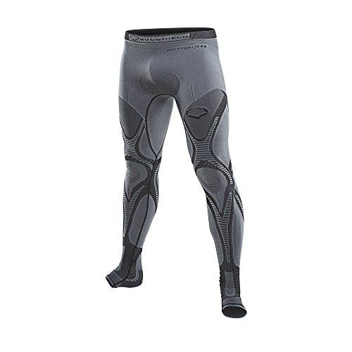5fcab23269104 5 Best Compression Pants for Men - Best Men's Leggings
