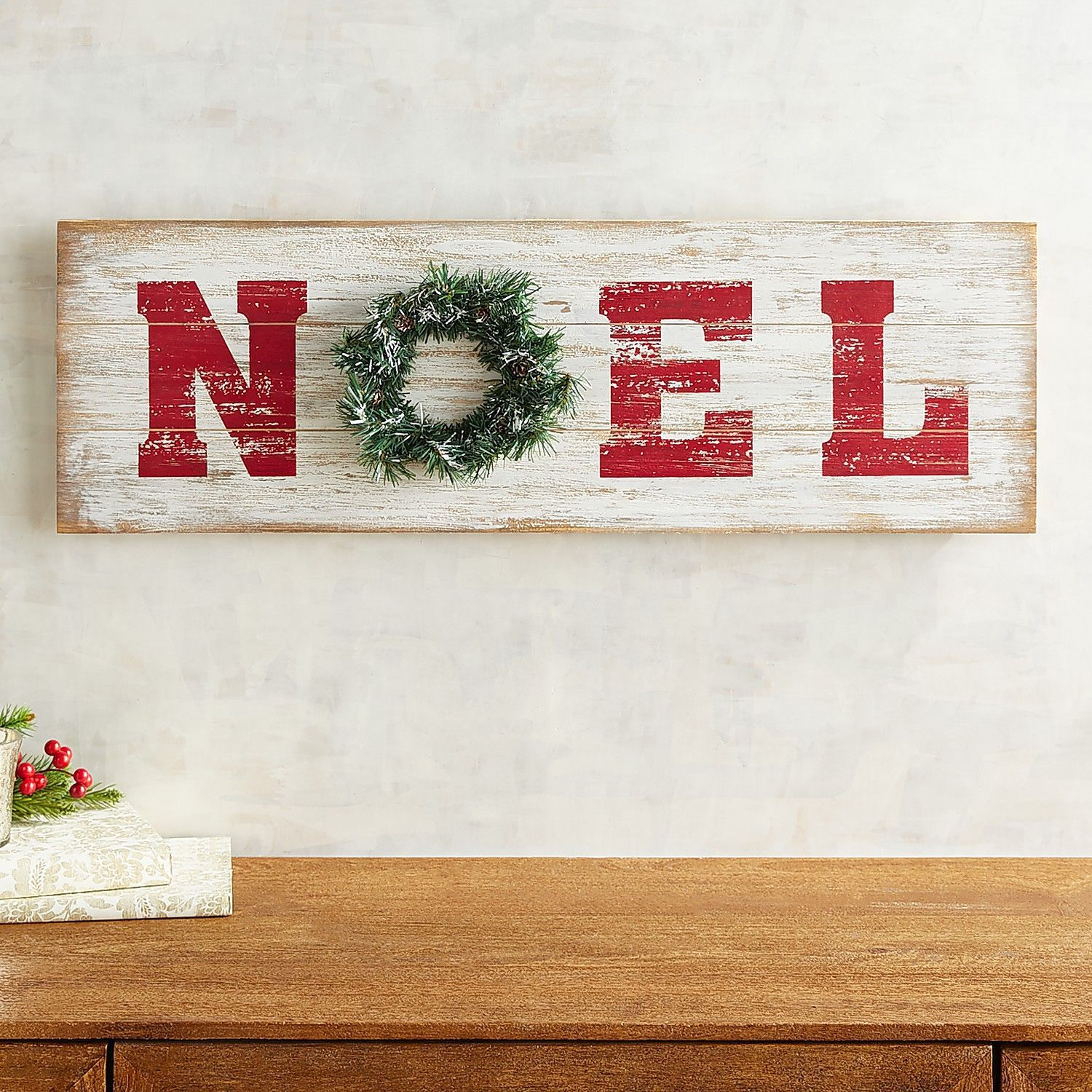 Noel Shiplap Wall Decor