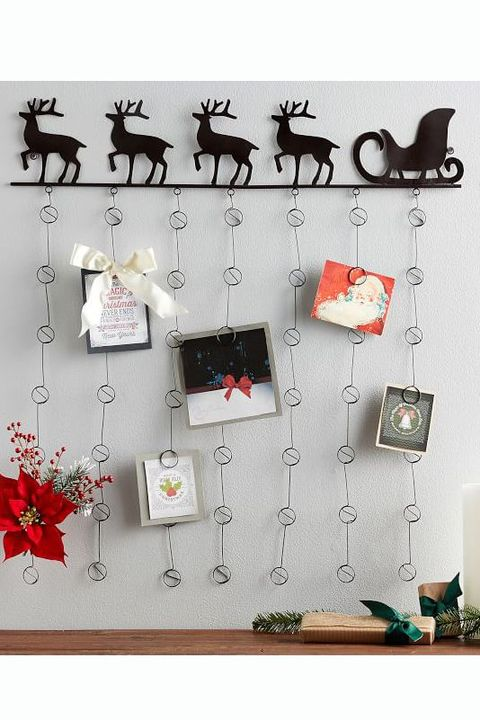 30 Best Christmas Wall Decor Ideas Holiday Wall Decorations