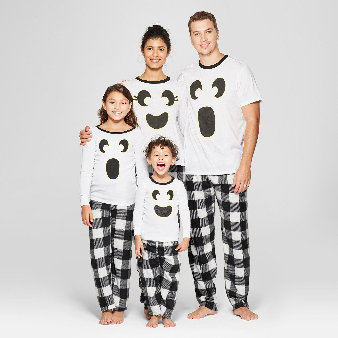 516813e066 15+ Best Halloween Pajamas - Matching Halloween PJs for Families   Dogs