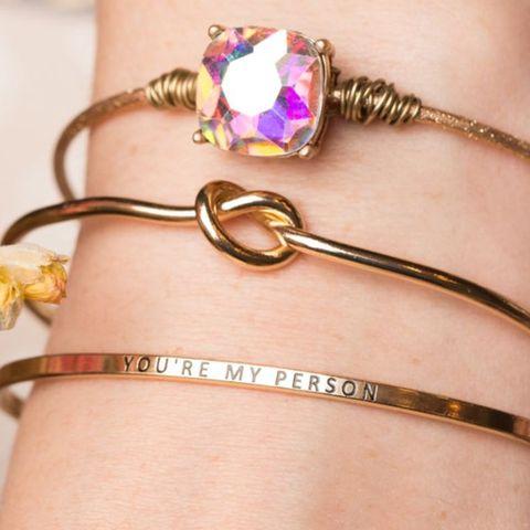 40 Best Friend Gifts 2020 Cute Gift Ideas For Female Bffs