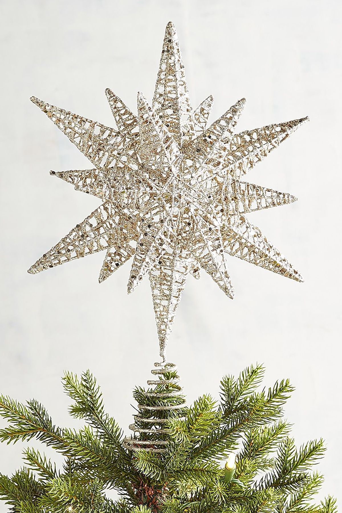 18 Unique Christmas Tree Topper Ideas - Fun Stars, Angels & More to ...