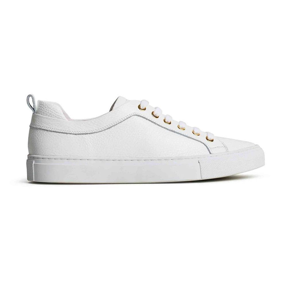 low priced 607d0 9e3ae The 23 Best White Sneakers for Women in 2019