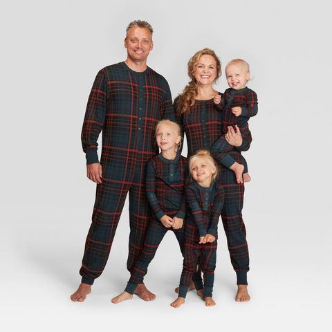 5599b6c33849 25+ Matching Family Christmas Pajamas - Cute Holiday Pajamas Sets ...