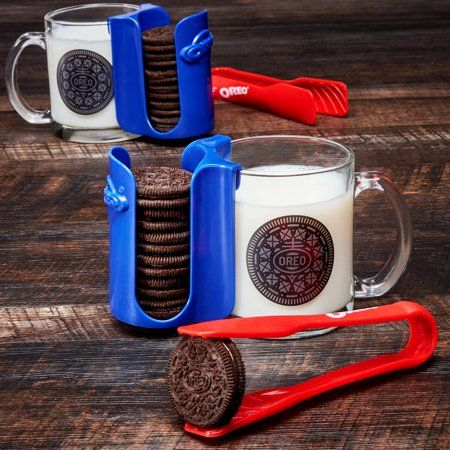 An Oreo Dunking Kit Exists So That You Don't Have to Get Your Fingers in the Milk