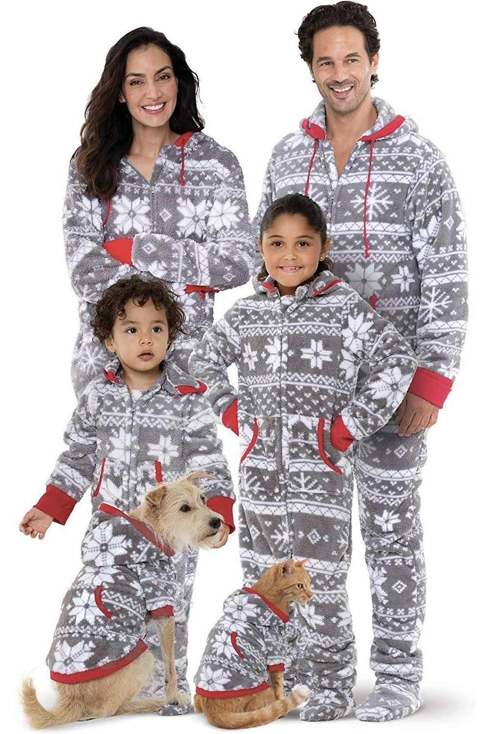 a031a3e6111c 15 Best Matching Family Christmas Pajamas to Celebrate in the Coziest Way  Possible