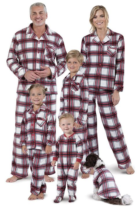 Family Christmas Pajamas With Dog.25 Best Matching Family Christmas Pajamas 2019 Funny