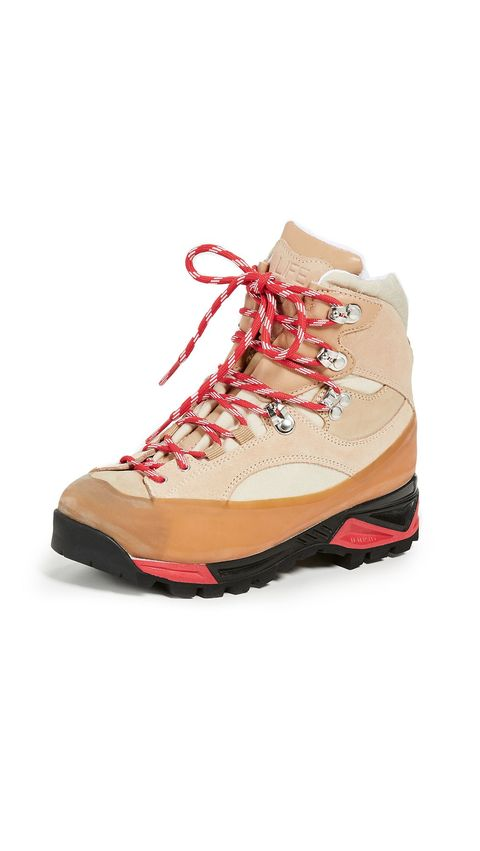 4f16db48ac3 12 Best Snow Boots For Women 2018 - Warm Winter Boots for Cold Weather