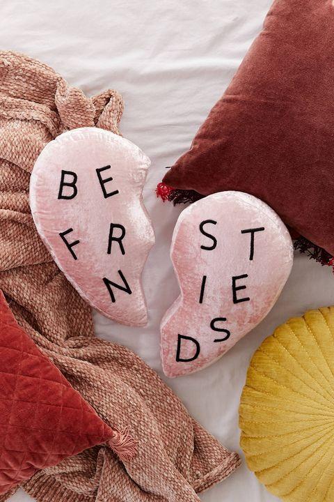 Best Friends Pillow Set