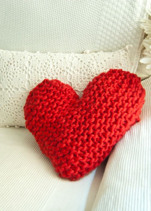 Sew Crafts UK Knitting 20 Wooden Heart Buttons Wood