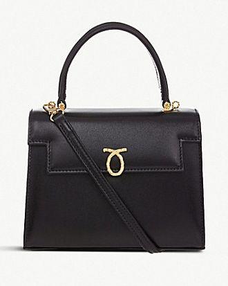 6d20e3259267 Queen Elizabeth s Favorite Handbag Brand is Launer - The Queen s ...