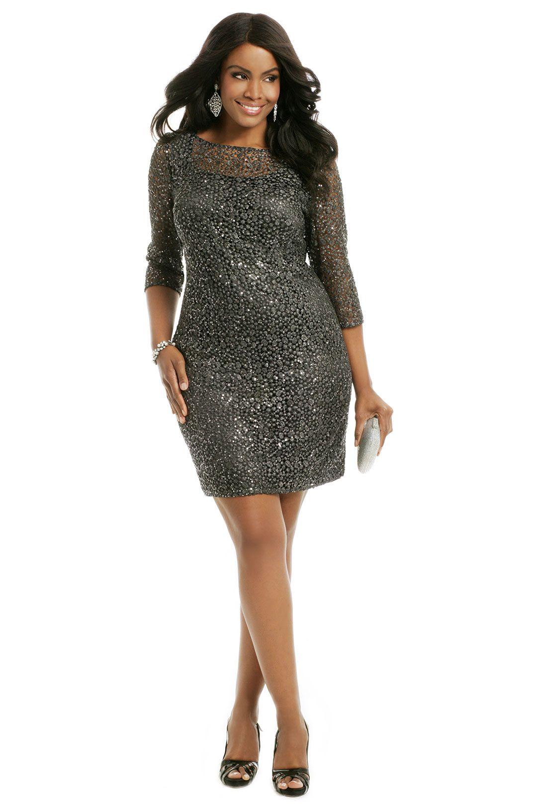 09a68d0f51a4 12 Gorgeous Plus Size Prom Dresses – Where to Buy Plus Size Prom Dresses for  2019