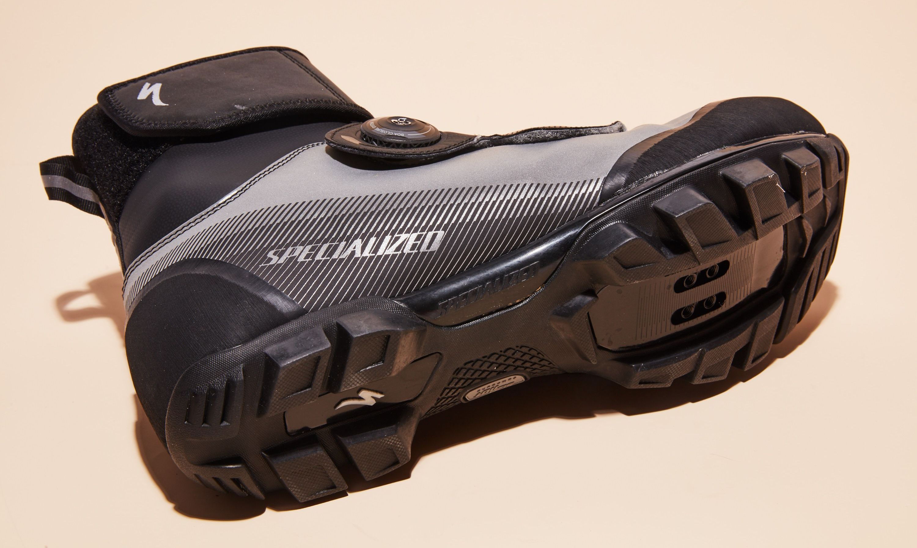 Specialized's Defroster Trail Mountain Bike Shoes Will Keep Your Feet Toasty All Winter Long