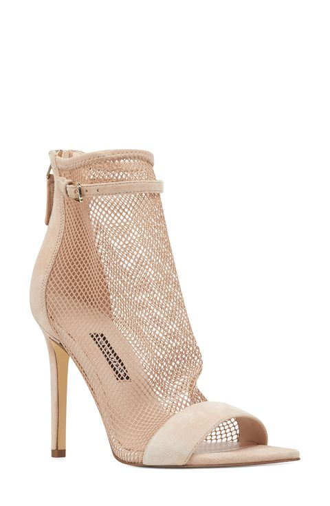 a7f3c43cc52 Spring Shoe Trends 2019 - Cute Footwear for Spring