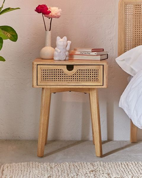 Small Bedside Tables For Tiny Bedrooms Best Nightstands Spaces