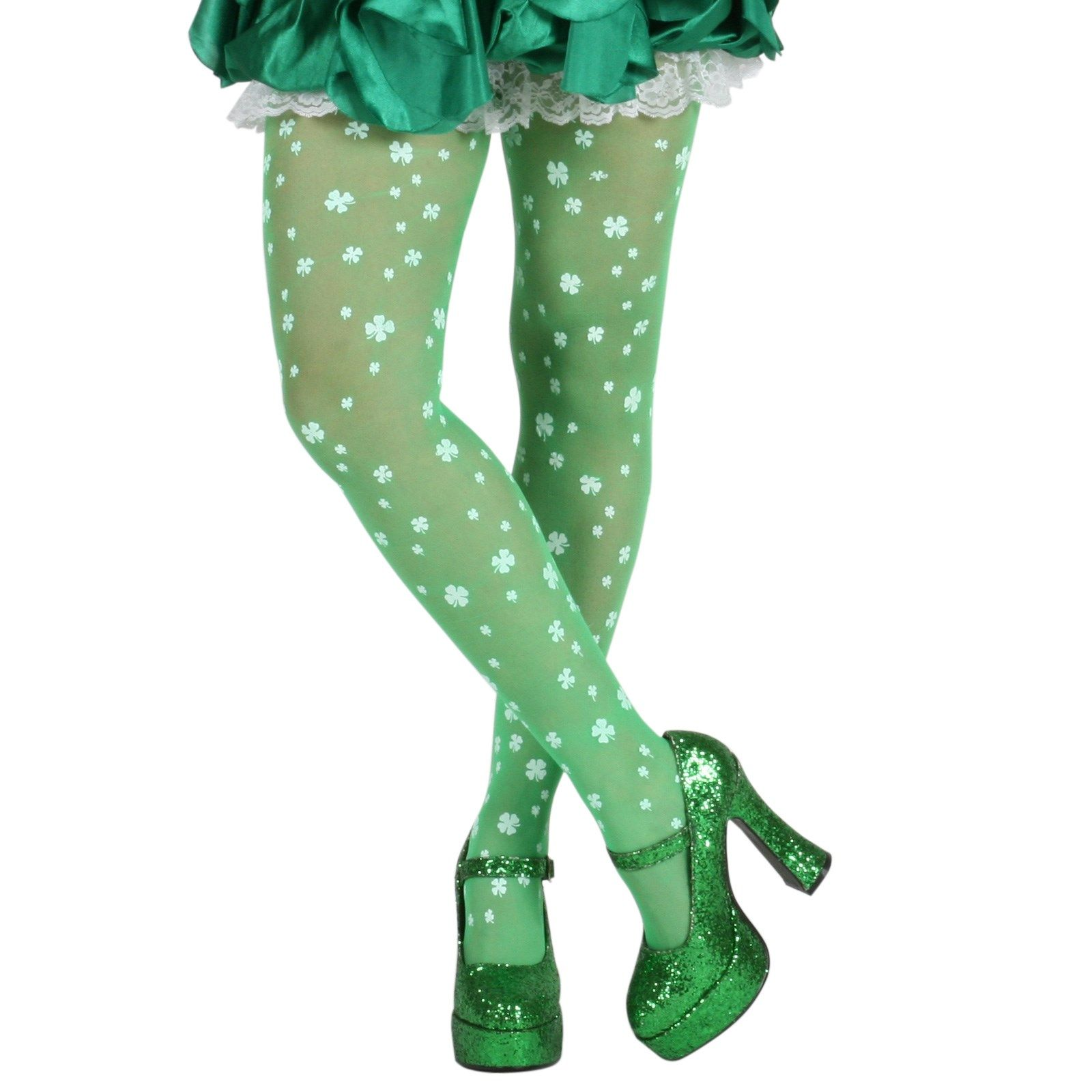 bfd08c9d74f47 18 St. Patrick's Day Outfits for Women - Green Clothing Ideas for St. Patrick's  Day 2019