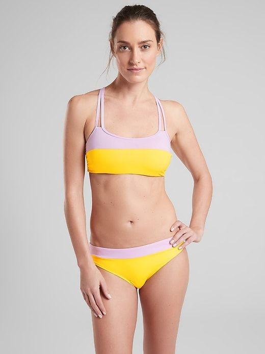 Latina hot wife posing with her new bikini