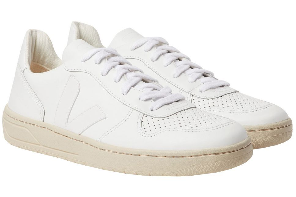 ae45469e563a 16 Best White Sneakers for Men in 2019 - 16 White Shoes to Wear Right Now