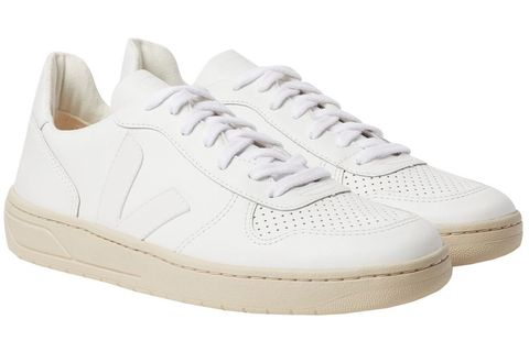 d98ec671d43 16 Best White Sneakers for Men in 2019 - 16 White Shoes to Wear ...