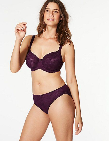 21 of our favourite Marks   Spencer bras 36b88faee