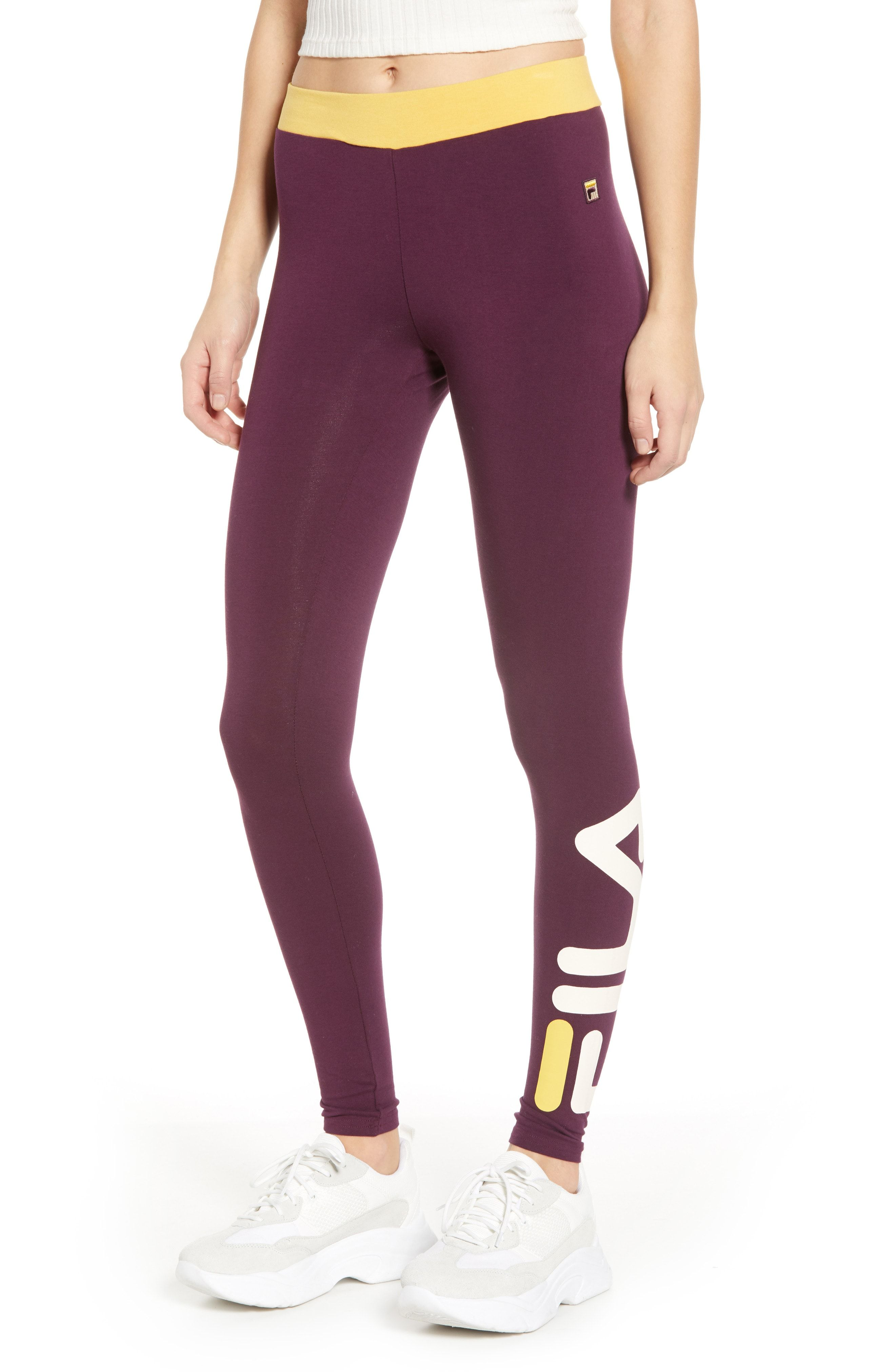 9edb5ace9 10 Best Workout Leggings From The Nordstrom Winter Sale 2019